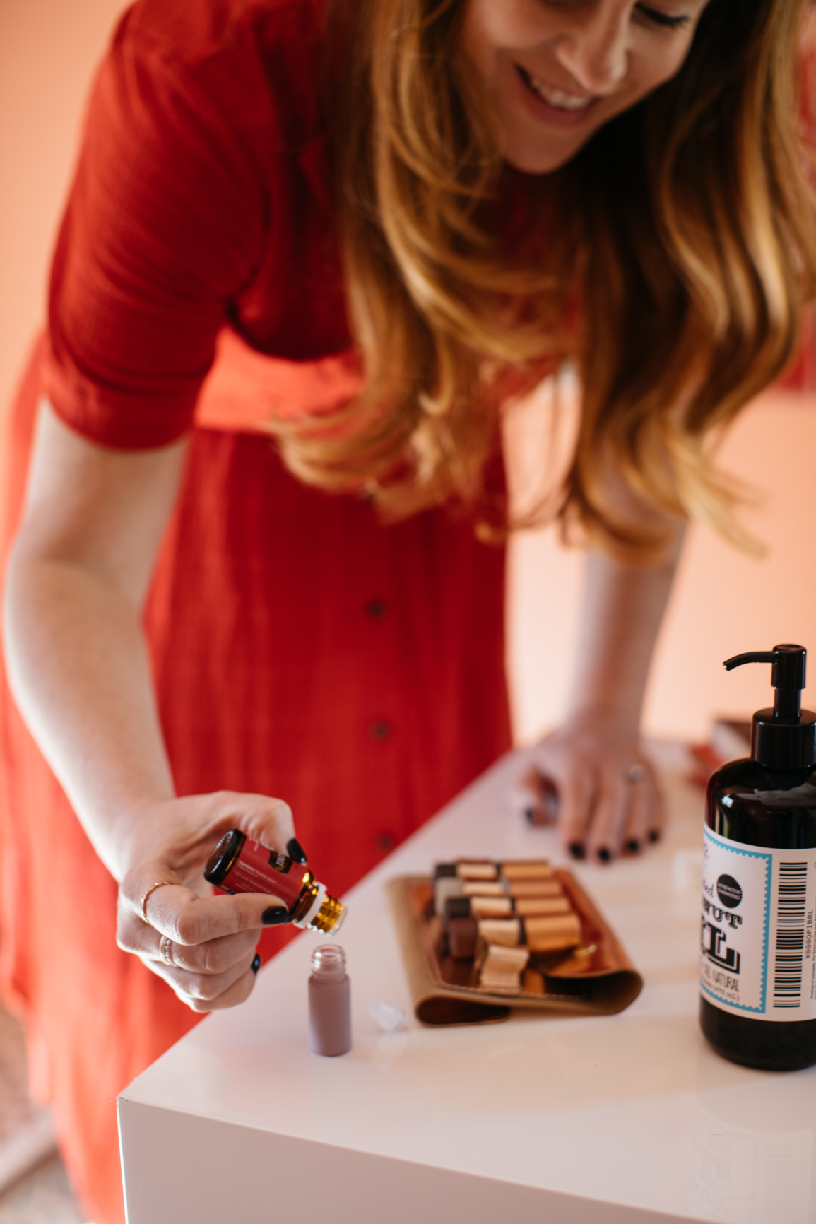 a day in the life of a lesley graham roller bottle | whimsy + wellness young living oils with dunes collection